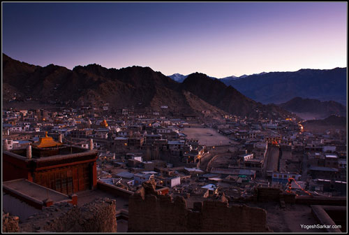 leh-city-in-evening