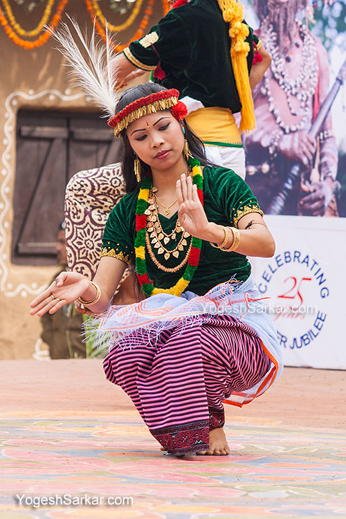 folk-dance-performance-surajkund-craft-fair