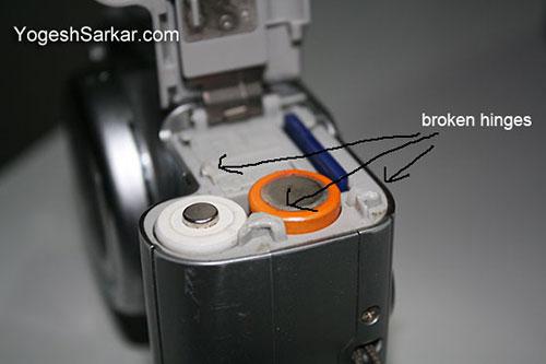 canon-a720-broken-battery-door