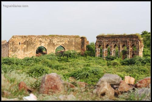 ruins-of-tughlaqabad-fort