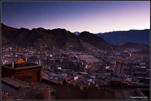leh-city-in-evening