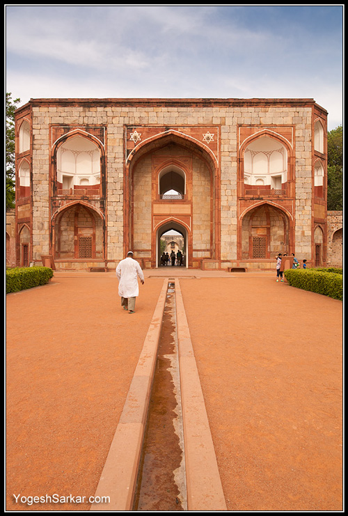gate-to-humayuns-tomb