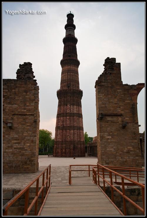 qutab-minar-framed