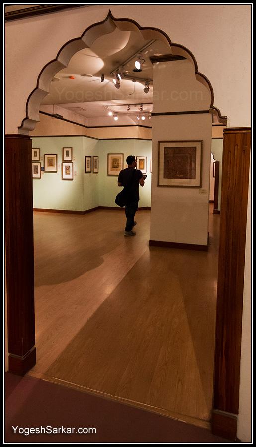 walking-in-national-museum