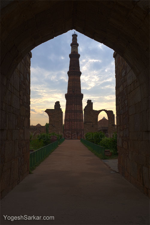 Qutub Minar, HDR image produced with 3 RAW files, shot handheld with Canon 60D