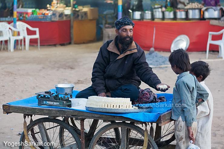 sweet-seller-pushkar
