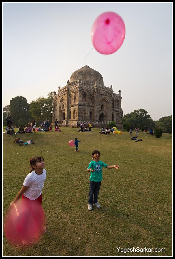 kids-playing-in-lodhi-garden