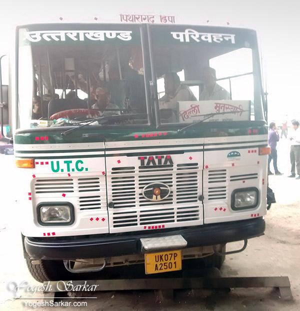 delhi-munsiyari-bus