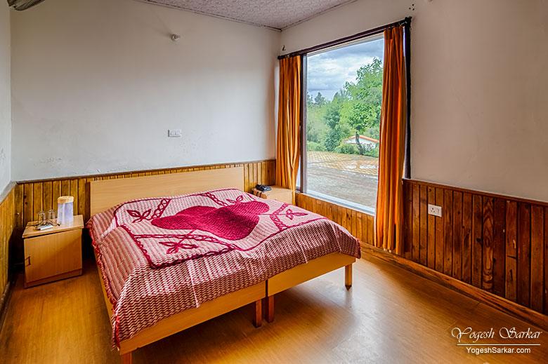kmvn-chaukori-room