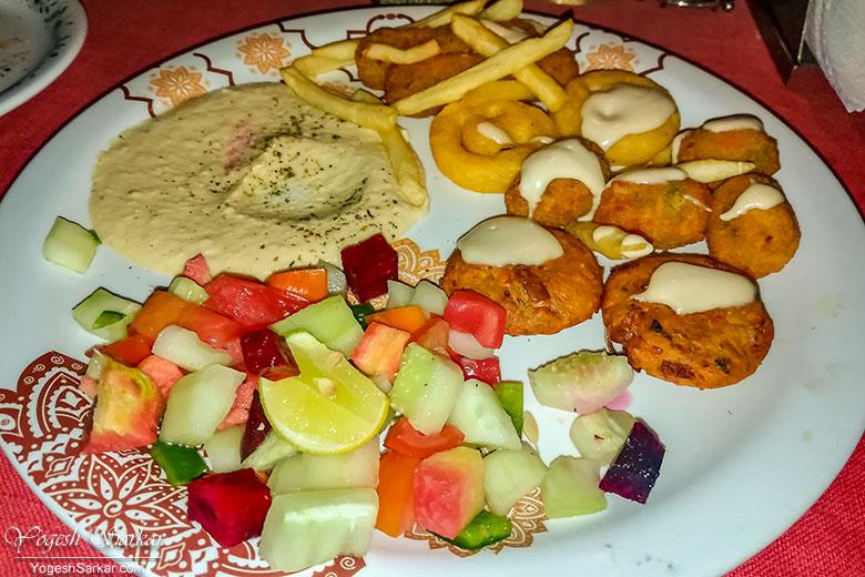 mix veg plate evergreen cafe kasol