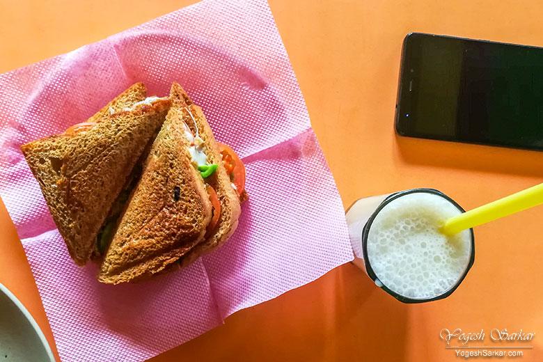 mixed-veg-cheese-sandwich