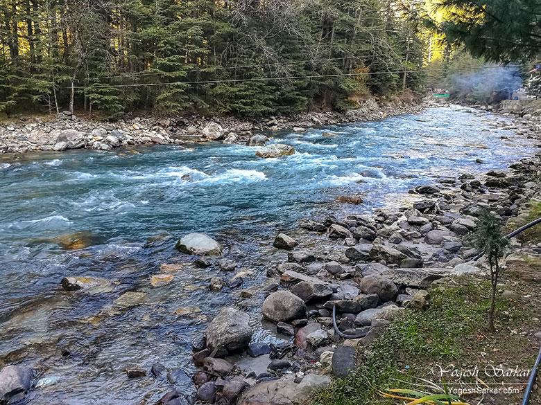 parvati-river-kasol-camps