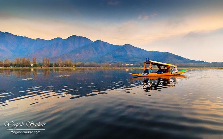 dal-lake-shikara-kashmir-tourism